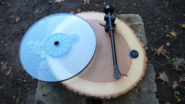 Audiowood: диджейские вертушки из экологичных материалов.