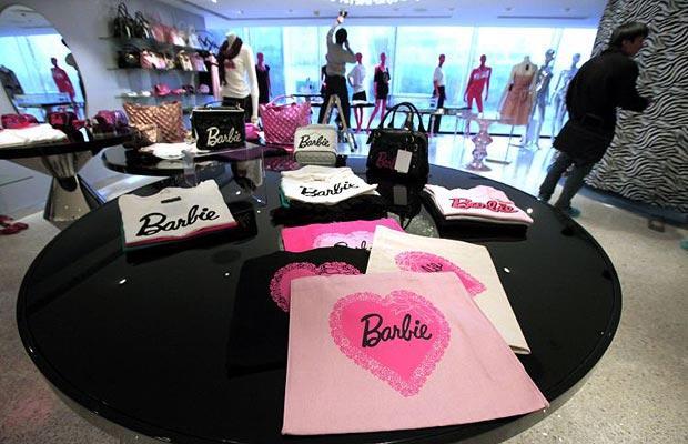 Barbie-store в Шанхае: самый большой кукольный дворец в мире.
