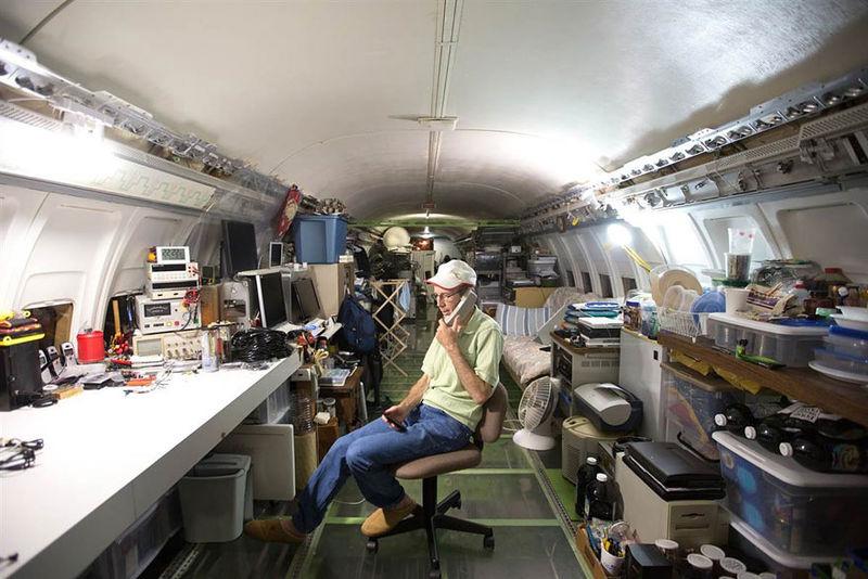 Американец сделал дом из Boeing 727.