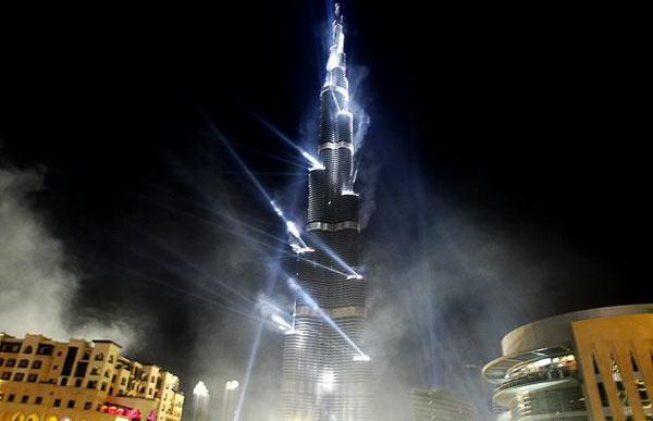 Burj Dubai: открытие самого высокого здания в мире.