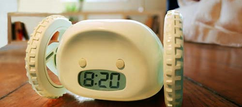 Alarm Clock on Wheels: убегающий будильник.