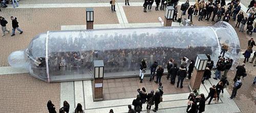 Condom Mob против СПИД'а в Милане.