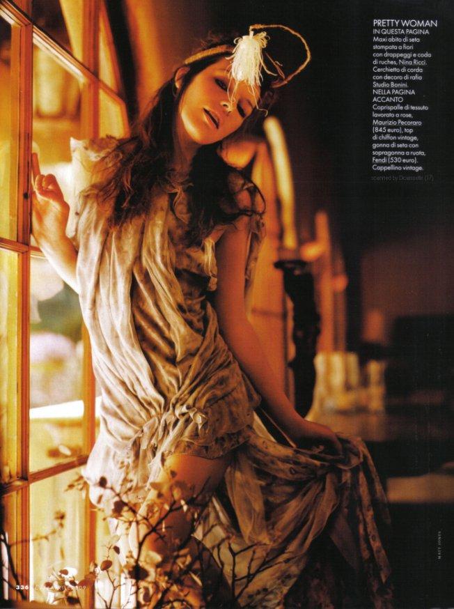 Milla Jovovich в апрельском Elle Magazine Italy.