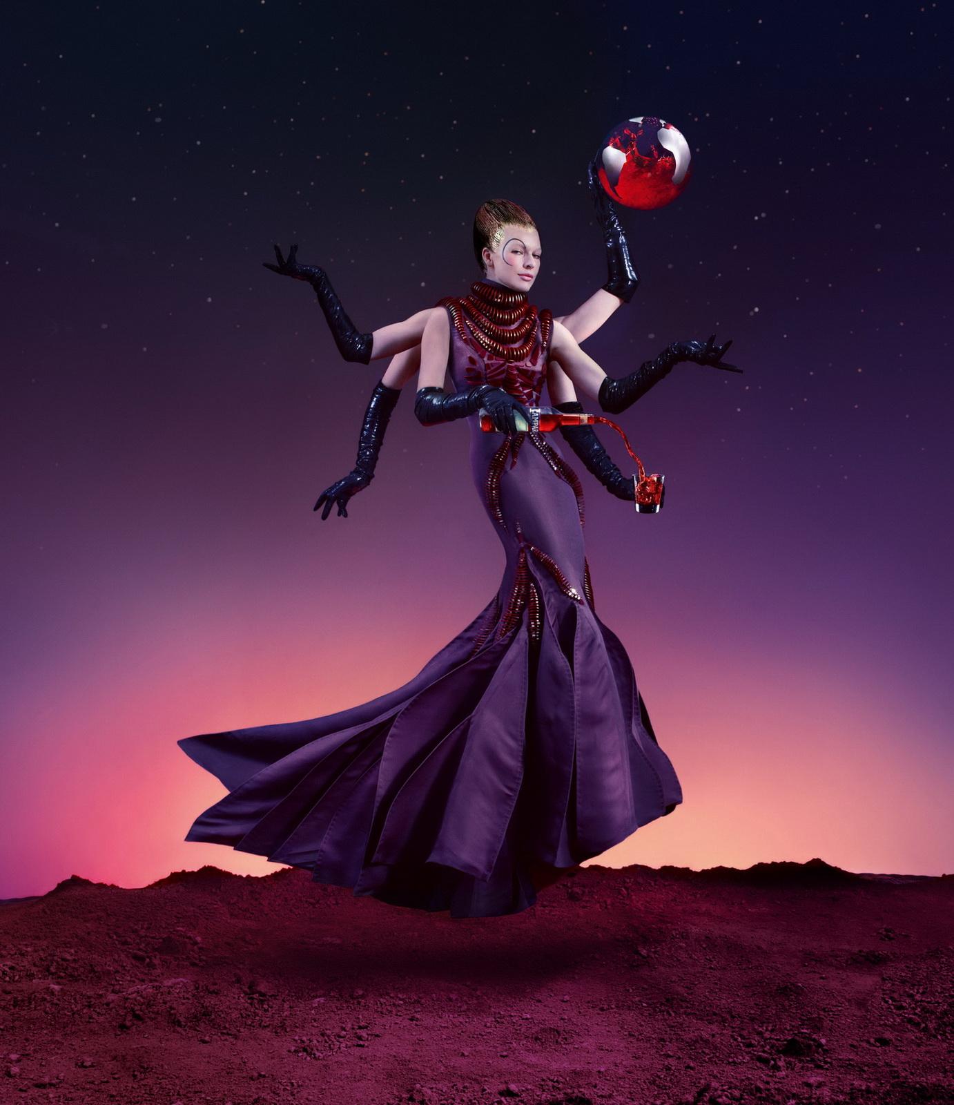Milla Jovovich в календаре Campari.