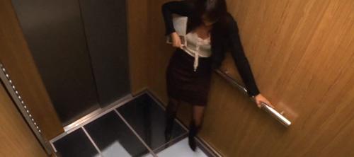 LG: шутка с лифтом и мониторами.