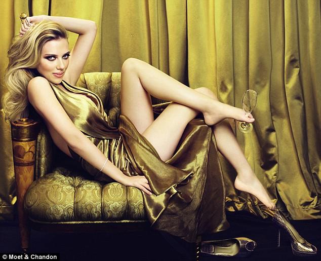 Scarlett Johansson стала новым лицом Moet & Chandon.