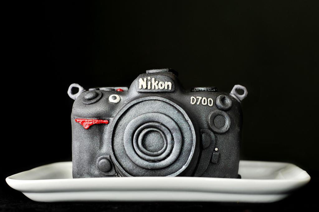 Съедобный Nikon D700.