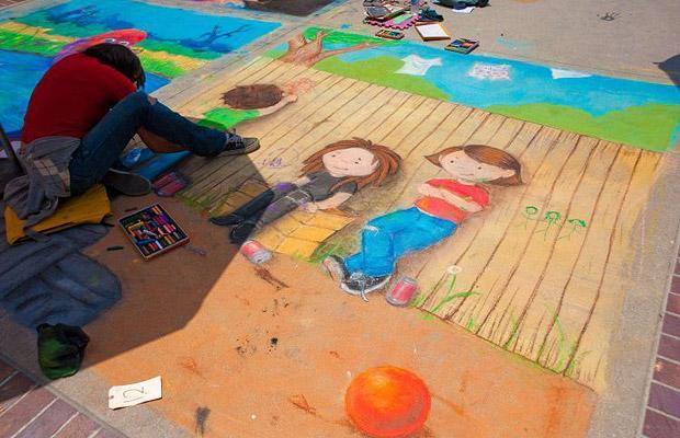 Pasadena Chalk Festival: Фестиваль рисунков мелом в Пасадене.