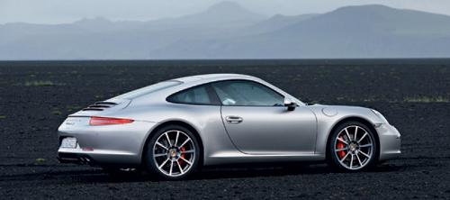 Porsche 911 2012 года.