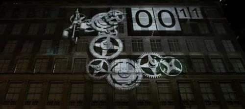 Праздничный фасад Saks Fifth Avenue.