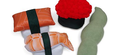 Подушки в виде суши.