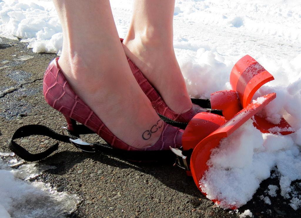 Toe Plow: зимний тюнинг для обуви.