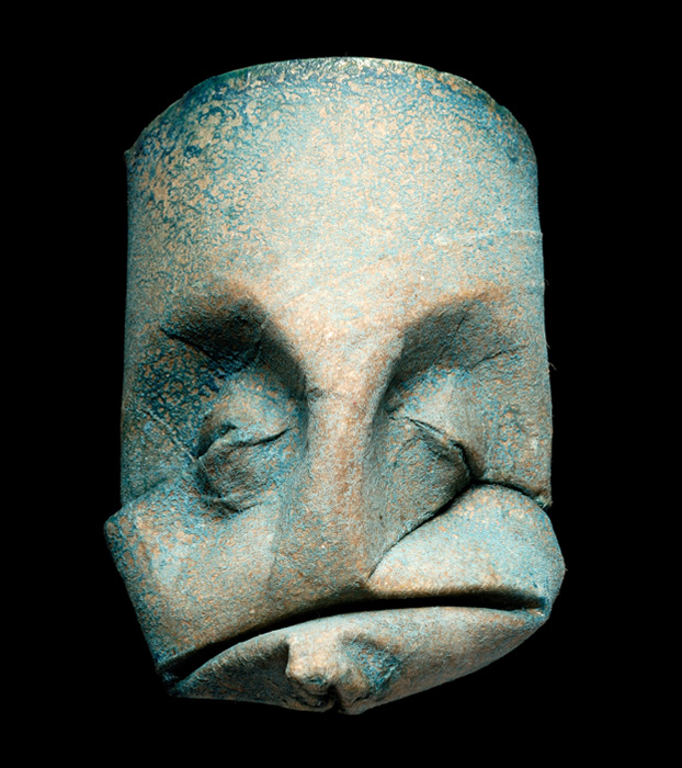 Junior Fritz Jacquet.Скульптуры из туалетных роликов.
