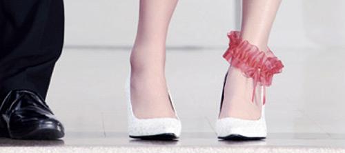 Реклама станков для бритья ног.